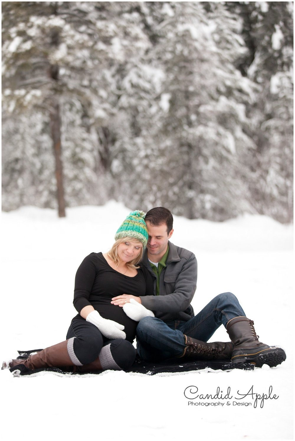 Kelowna_Baby_Bump_Photographers_Winter_TA_0025