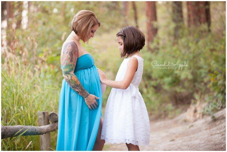 Kelowna_Mission_Creek_Park_Maternity_Photographers_00011
