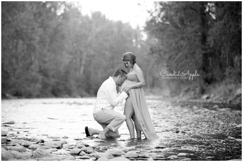 Kelowna_Mission_Creek_Park_Maternity_Photographers_00023