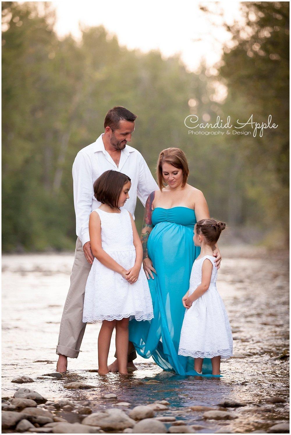 Kelowna_Mission_Creek_Park_Maternity_Photographers_00026