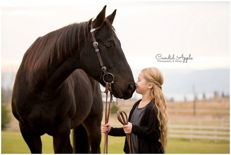 Kelowna_Equine_Family_Lifestyle_Photographers_0005